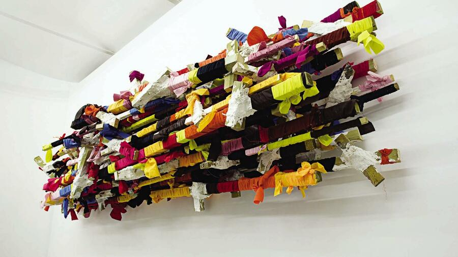 "Phyllida Barlow: ""Untitled broken shelf"" aus der Serie ""Street"", 2010 Quelle: Courtesy of the artist and Hauser & Wirth"