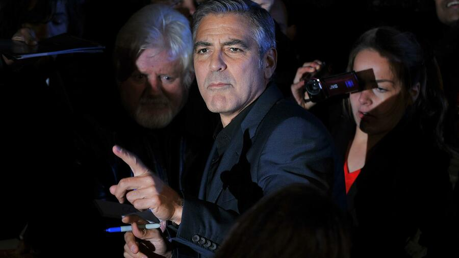 George Clooney bei einer Filmpremiere in London. Quelle: AFP