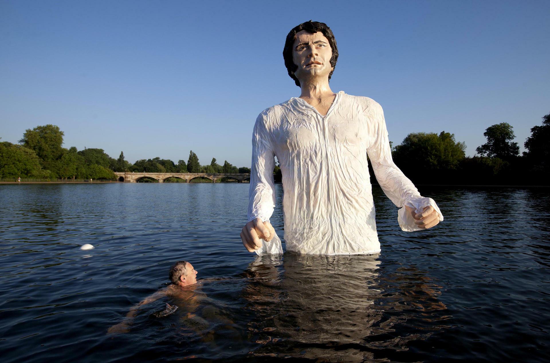 Abbild Im Hyde Park Statue Von Colin Firth Sorgt Für Debatten