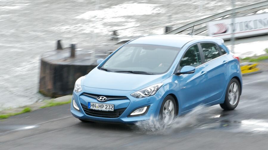 Hyundai I30 Im Test Der Golf Gegner Bei Dem Nichts Scheppert