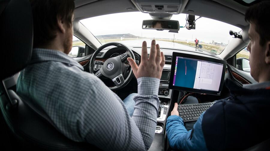 Autonomous Plans Vw Bmw And Daimler Hold Talks On Cooperation In Self Driving Cars