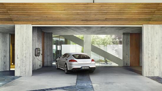 porsche panamera s e hybrid im test das st dtische gr n. Black Bedroom Furniture Sets. Home Design Ideas