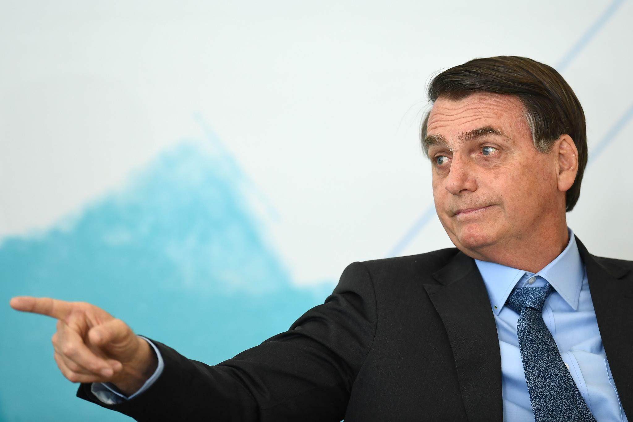 Brasiliens Präsident macht Umweltschützer für Waldbrände verantwortlich