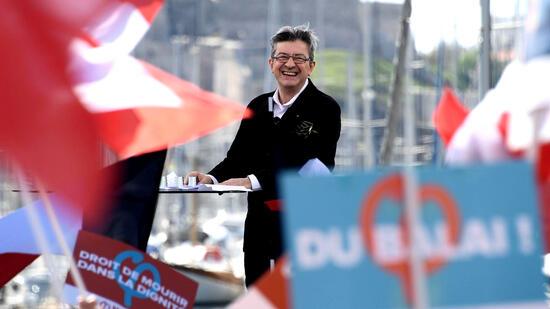 Wahl in Frankreich: Linker Mélenchon überholt in Umfrage erstmals Fillon