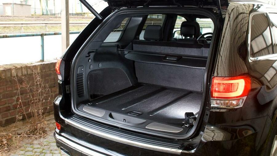 jeep grand cherokee im test wie ein angetrunkener matrose. Black Bedroom Furniture Sets. Home Design Ideas