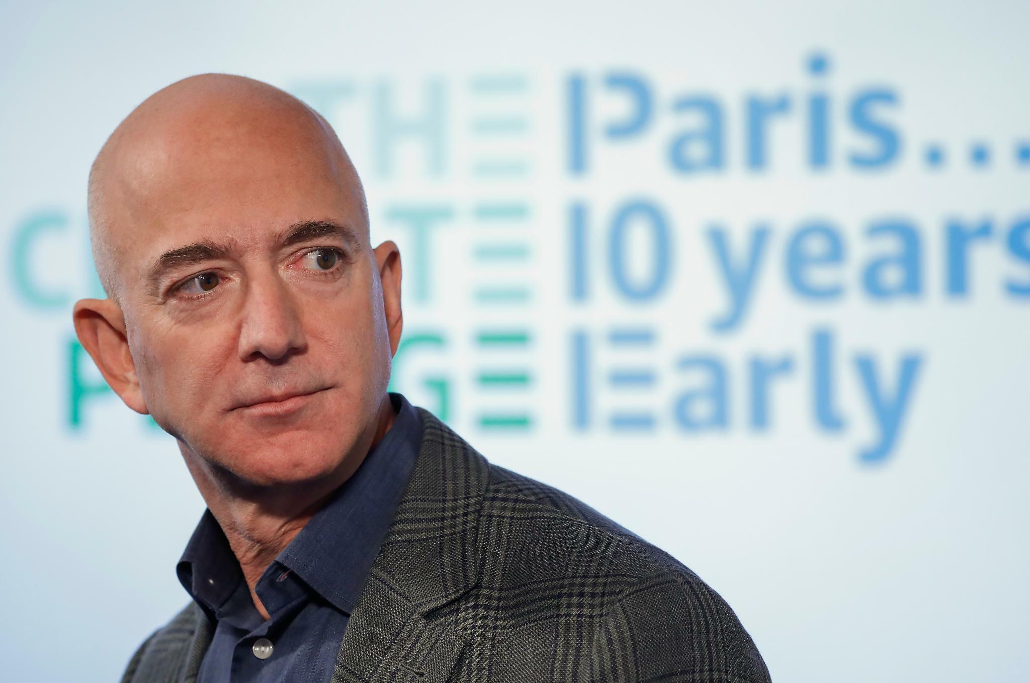 Jeff Bezos verkauft Amazon-Anteile für ...