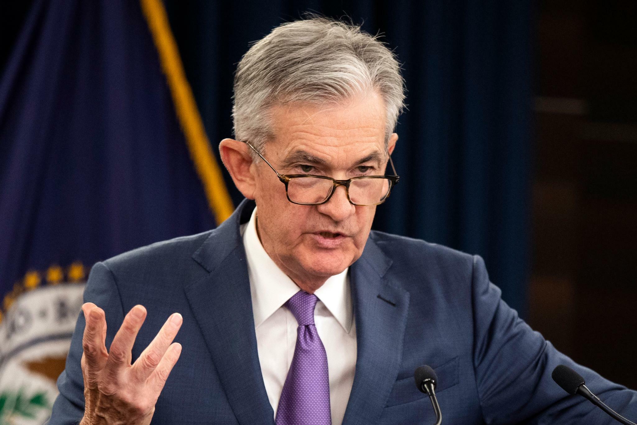 """Fed-Chef Powell lässt sich Optionen offen – Trump sieht ihn als """"Feind"""""""