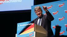 AfD's spokesman Joerg Meuthen delivers a speech during the congress of Germany's right-wing populist Alternative for Germany (AfD) party in the Maritim Hotel in Cologne, western Germany, on April 22, 2017. The anti-immigration party, which hopes to win its first seats in the national parliament in a general election in September, will gather in the western city of Cologne on April 22-23, 2017. / AFP PHOTO / Ina Fassbender Quelle: AFP