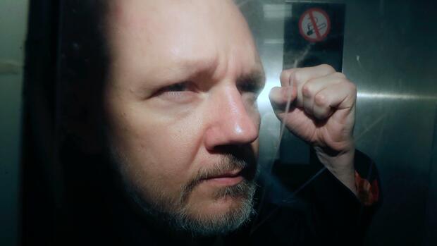 Assange vor Gericht: Auslieferungsprozess gegen Wikileaks-Gründer