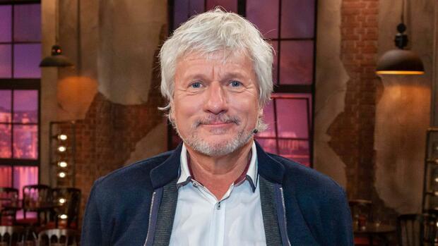 """Kabarettist im Interview: Jürgen Becker: """"Politisch müsste Corona ja eigentlich jeden glücklich machen"""""""
