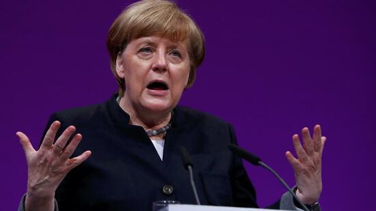 Merkel gegen Datensparsamkeit: Bundesregierung zerstreitet sich über Datenschutz