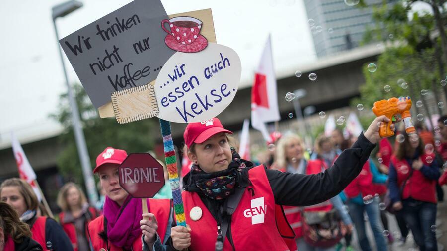 Gewerkschaften wollen für Angestellte sechs Prozent mehr Geld