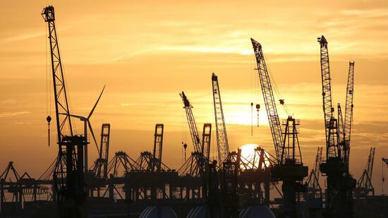 OECD hebt Prognose für weltweites Wirtschaftswachstum leicht an