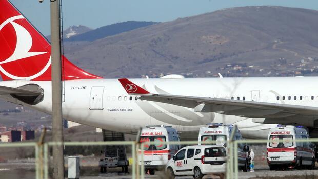 Coronavirus: Türkei stellt alle Passagiere einer Turkish Airlines Maschine unter Quarantäne