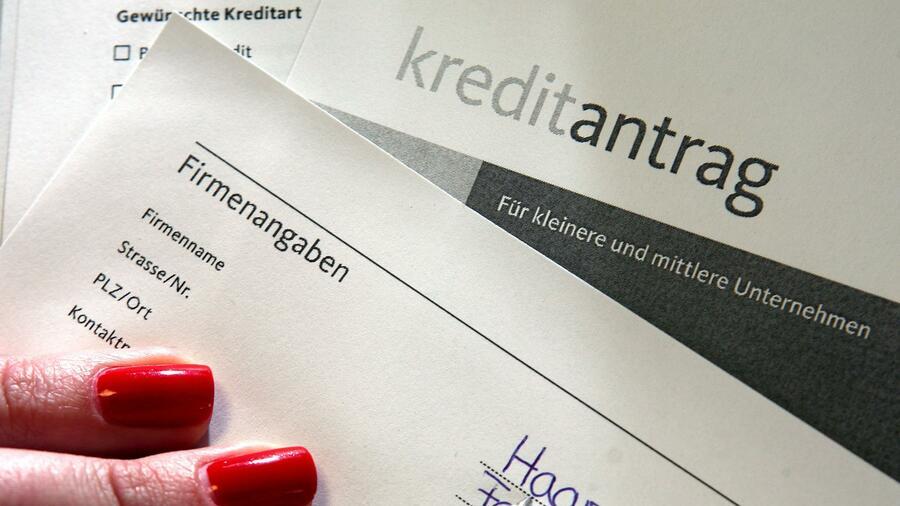 Die Deutsche Kreditwirtschaft steht Forderungen nach einer gelockerten Prüfung von Kreditanträgen aufgrund der Coronakrise kritisch gegenüber. Quelle: dpa