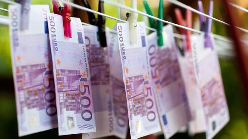 Scheine auf der Leine? Zypern kommt bei der Bekämpfung der Geldwäsche nicht recht voran. Quelle: dpa