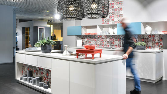 alno investor nijaz hastor ausgekocht. Black Bedroom Furniture Sets. Home Design Ideas
