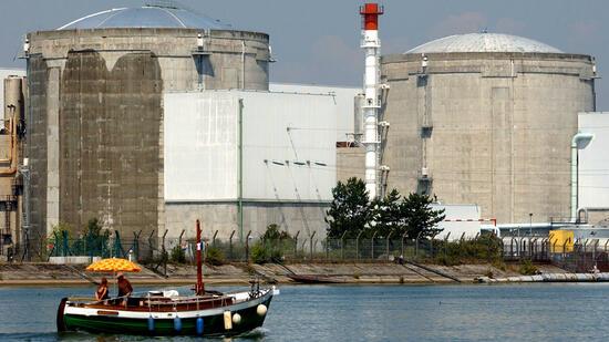Frankreichs neues Energiewende-Gesetz, könnte die Abschaltung des grenznahen Kernkraftwerks Fessenheim im Elsass bedeuten. Quelle: ap