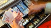Bezahlverfahren: Bargeld steht bei deutschen Kunden hoch im Kurs