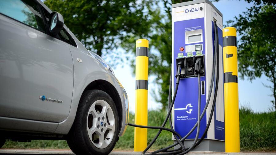 Betrieb von Ladesäulen für E-Autos wird zum umkämpften Geschäftsmodell