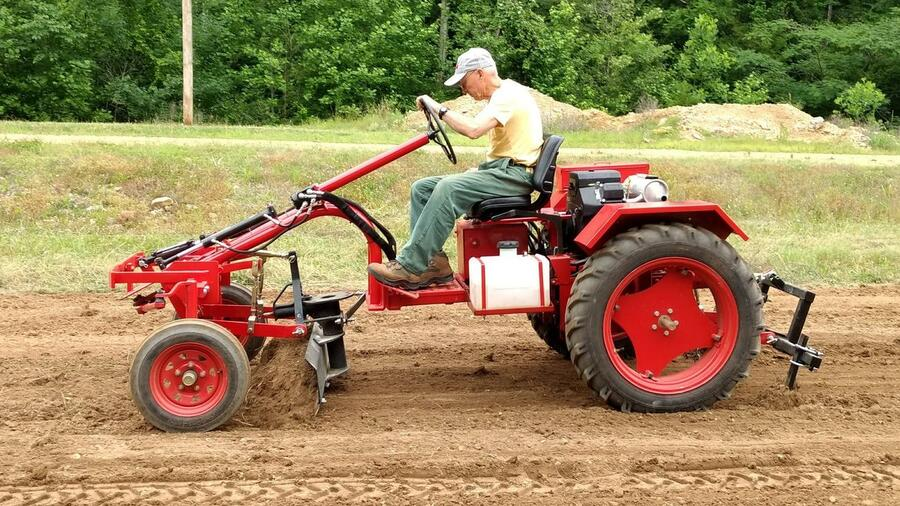 Außergewöhnlich Kuba: Warum US-Traktoren der Firma Cleber auf Kuba nicht pflügen @SI_08