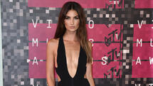 Lily Aldridge arrives at the MTV Video Music Awards at the Microsoft Theater on Sunday, Aug. 30, 2015, in Los Angeles. (Photo by Jordan Strauss/Invision/AP) Quelle: AP