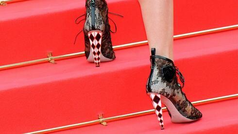 shoejob in heels die stolze königin