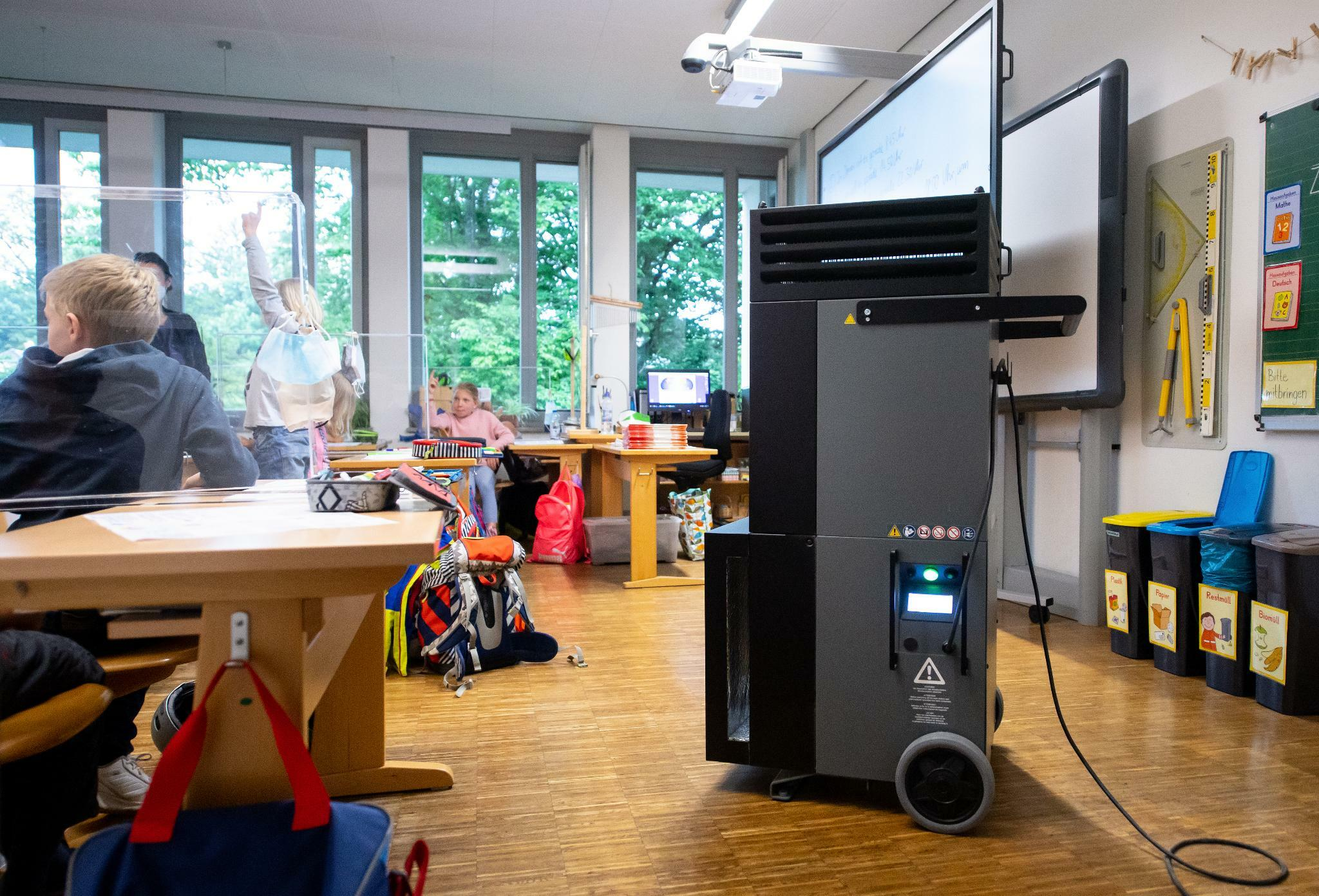 Corona Schulen erhalten 21 Millionen Euro für mobile Luftfilter