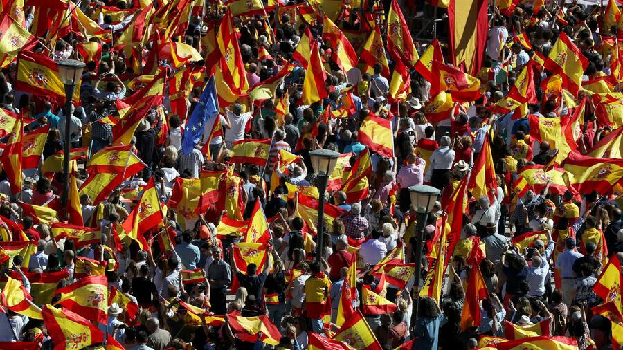Katalonien und die unabh ngikeit spanien demonstriert f r einheit und dialog - Ka international madrid ...