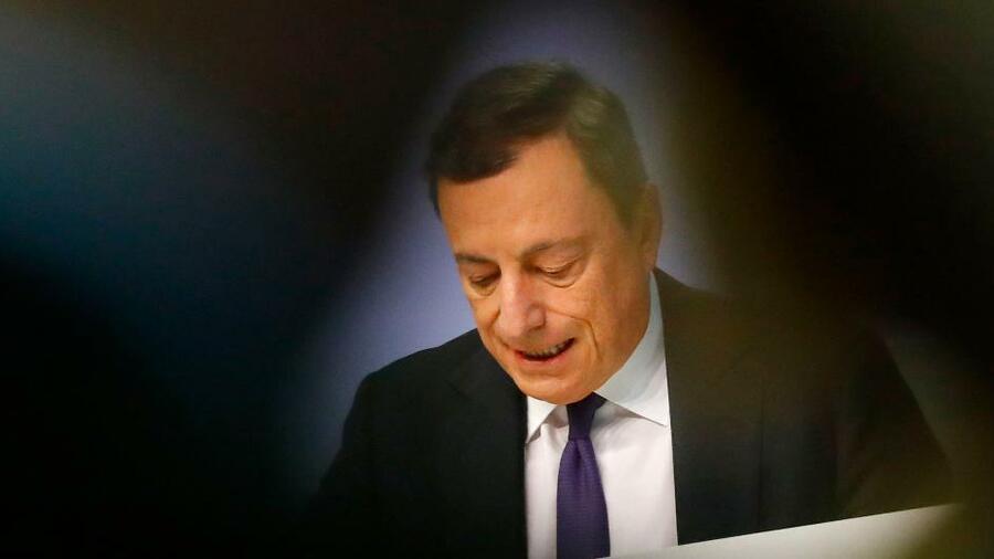 EZB will Zinsen bis Sommer 2019 bei Null halten