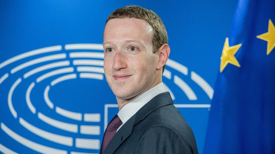 Facebook: Mark Zuckerberg inszeniert sich als Europas Partner Quelle: action press