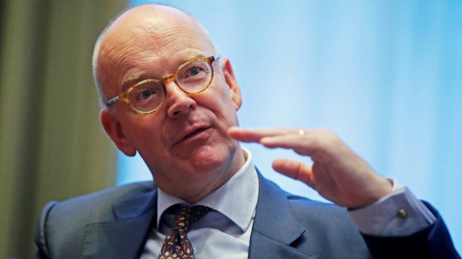 L'ex capo del commerzbank Martin Blessing lascia UBS alla fine dell'anno Fonte: Reuters