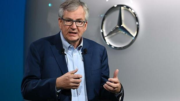 Wirtschaft, Handel & Finanzen: Daimler setzt auf Lastwagen-Geschäft