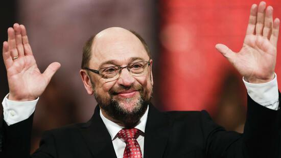 Mitarbeiter begünstigt? EU- Ausschuss rügt Schulz