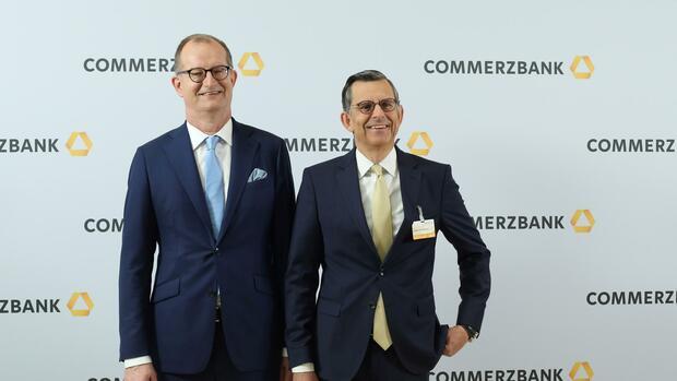 Finanzbranche: Die wichtigsten Fragen und Antworten nach dem Doppelrücktritt bei der Commerzbank - Handelsblatt