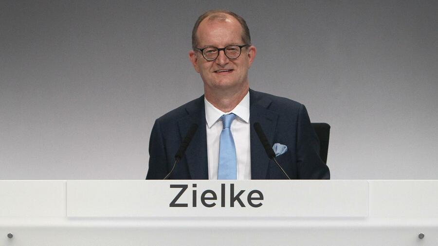 Aktionäre stehen hinter Zielke: Commerzbank-Chef mit 99,8 Prozent entlastet