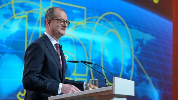 Matinee in Frankfurt: Commerzbank blickt am 150. Geburtstag kämpferisch in die Zukunft