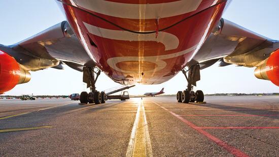 KORREKTUR/: Lufthansa zeigt offen Interesse an Übernahme von Air Berlin