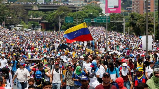 Bei Protesten gegen den sozialistischen Präsidenten Maduro starben seit April 39 Menschen mehr als 800 wurden verletzt. Quelle Reuters