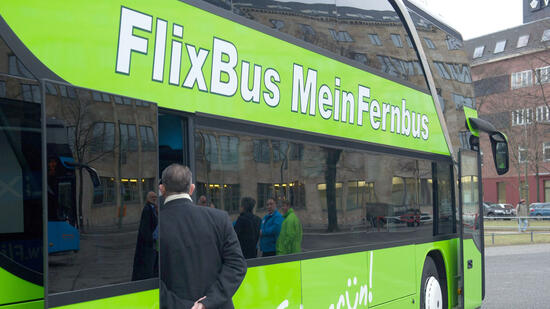 fernbus anbieter gehackt schlammschlacht bei flixbus. Black Bedroom Furniture Sets. Home Design Ideas