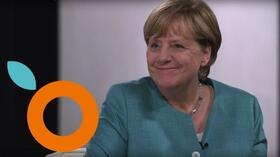 Orange by Handelsblatt: So versagten die Youtube-Stars im Interview mit Merkel