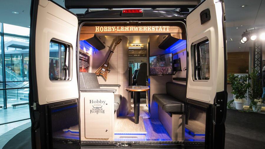 Caravan Und Camping Wohnmobil Hersteller Werben Um Die Rentner Von