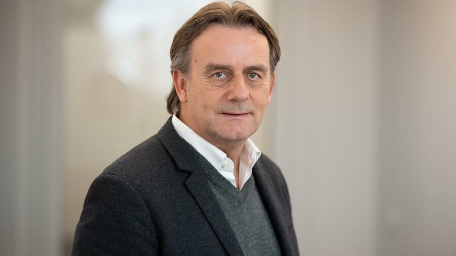 Michael Rook Ehemaliger Media Markt Manager Kämpft Um