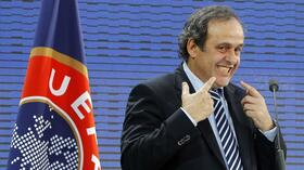 Präsident Michel Platini beim Uefa-Kongress in Paris. Quelle: dapd