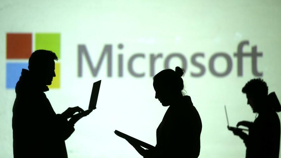 Umbau im Welt-Konzern: Microsoft spaltet sein Geschäft in zwei Teile auf