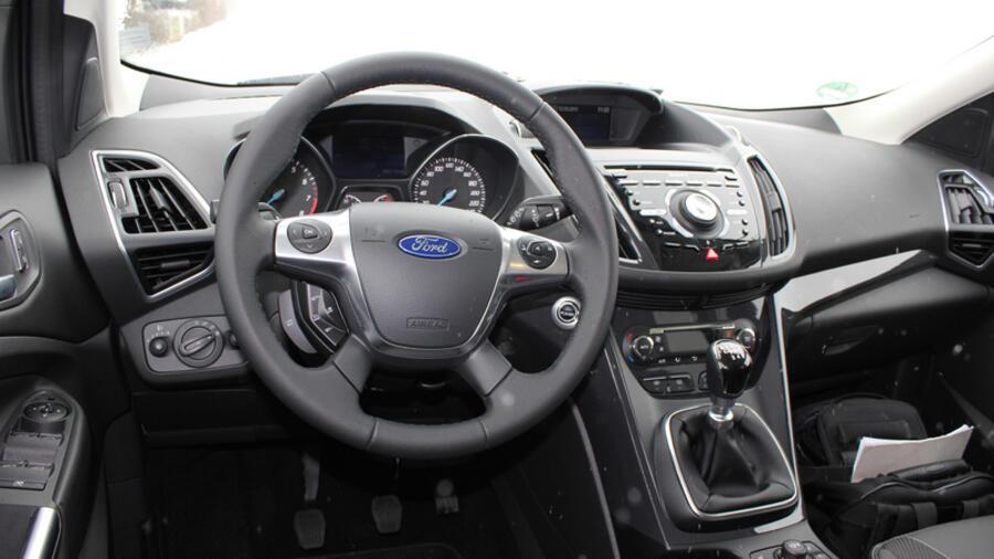 Ford Kuga im Fahrtest: Kampfansage auf allen Vieren