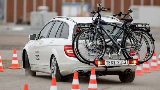 sicherer transport e bike tr ger zeigen schw chen im test. Black Bedroom Furniture Sets. Home Design Ideas