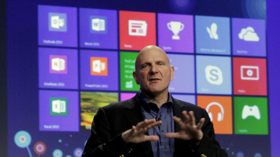 Microsoft-Chef Steve Ballmer bei der Präsentation von Microsoft Windows 8 in New York. Quelle: dapd