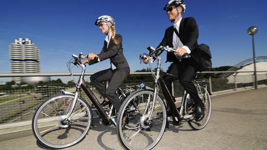 e bikes als dienstfahrzeug das finanzamt radelt mit. Black Bedroom Furniture Sets. Home Design Ideas