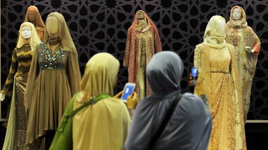 islamische mode im westen frauen sollten zum boykott der marken aufrufen. Black Bedroom Furniture Sets. Home Design Ideas